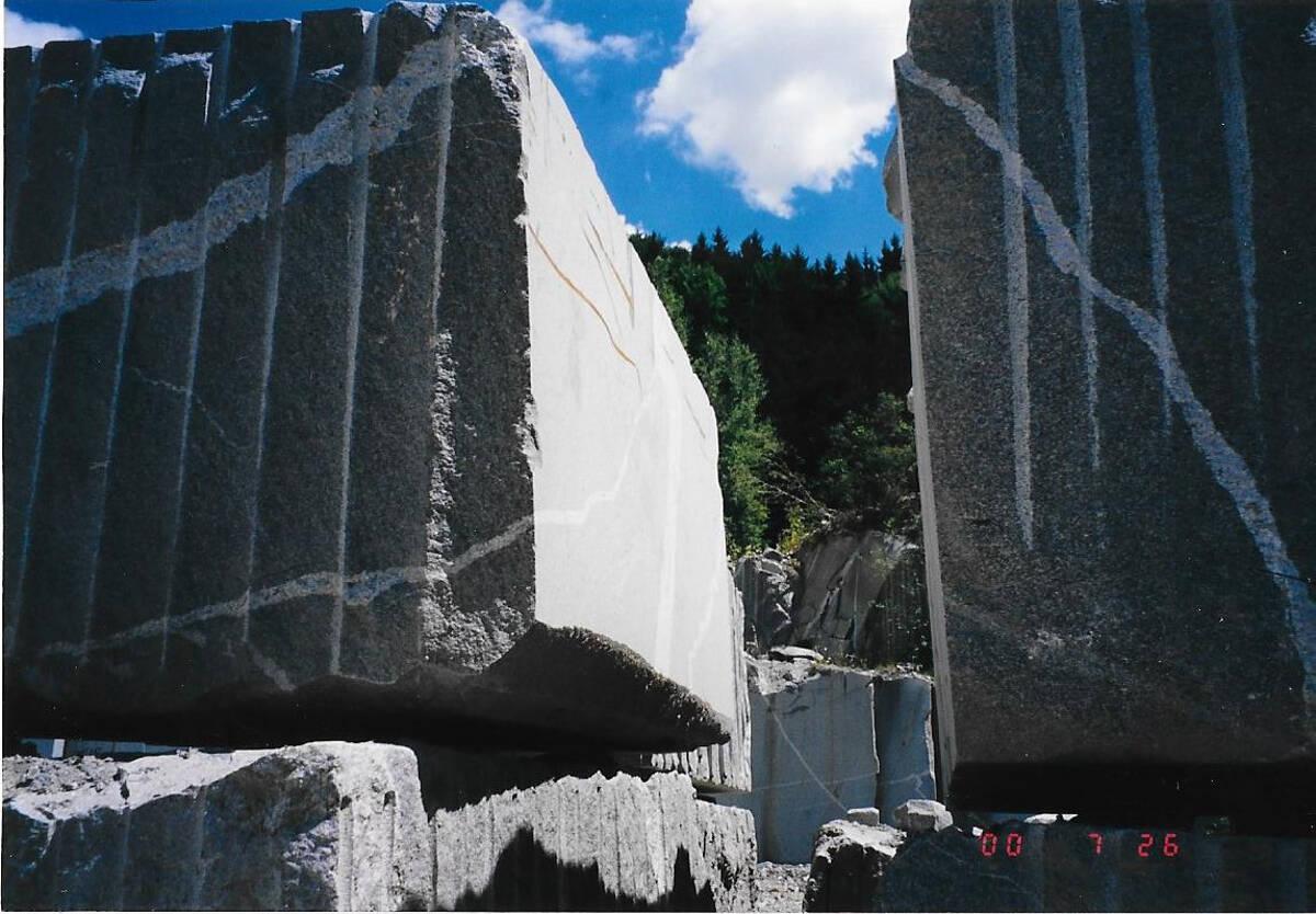 Pohorski granit 220 ton